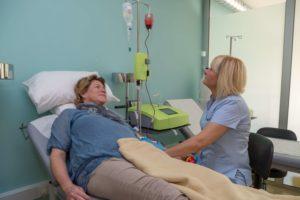 Die große Ozon-Eigenblut-Behandlung, wie diese in einer Praxis mit geschultem Personal durchgeführt wird.